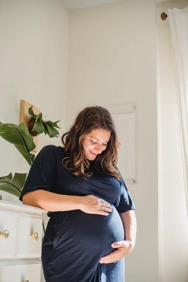 Air kelapa dapat menggantikan elektrolit yang hilang pada ibu hamil.