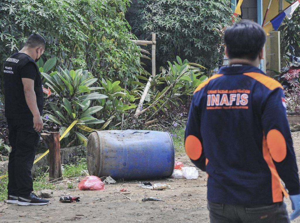 Polisi Pastikan Benda Mencurigakan dalam Tong di Bekasi Bukan Bom