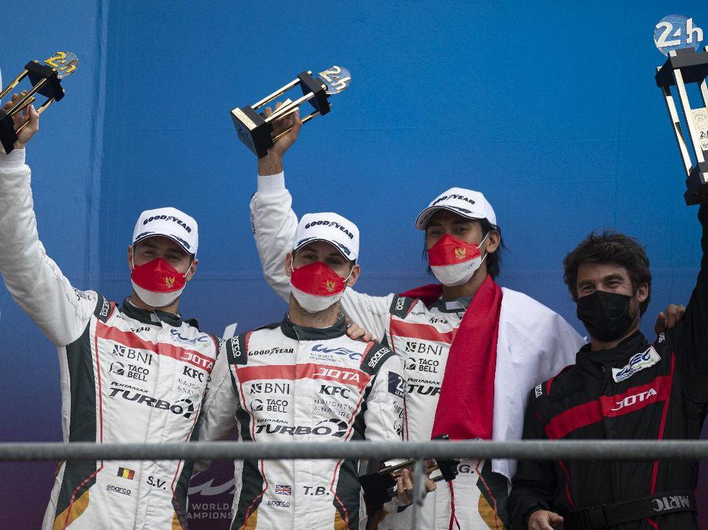 Sean Gelael dan JOTA #28 Finis Kedua di 24 Hours of Le Mans