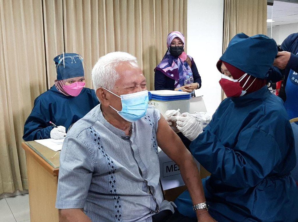 UMP Vaksinasi Lintas Agama, Ganjar: Tokoh Agama Bagian Pemberi Edukasi