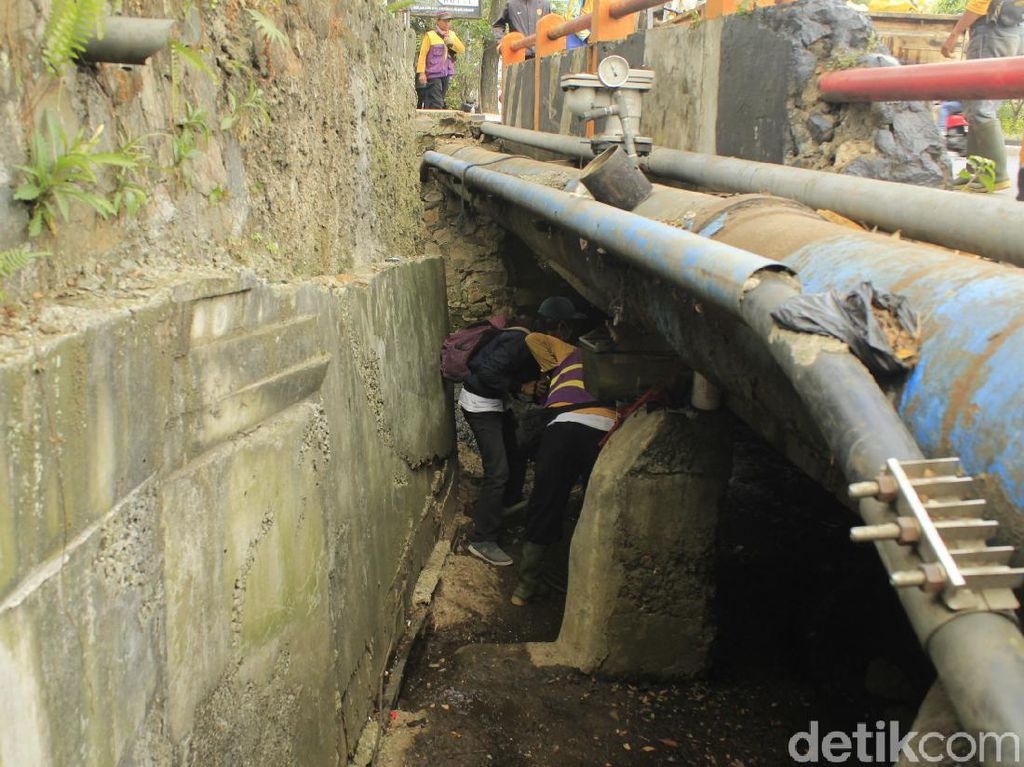 Jabar Hari Ini: Sekda Banten Mundur-Heboh Kamar dalam Drainase Kota Bandung