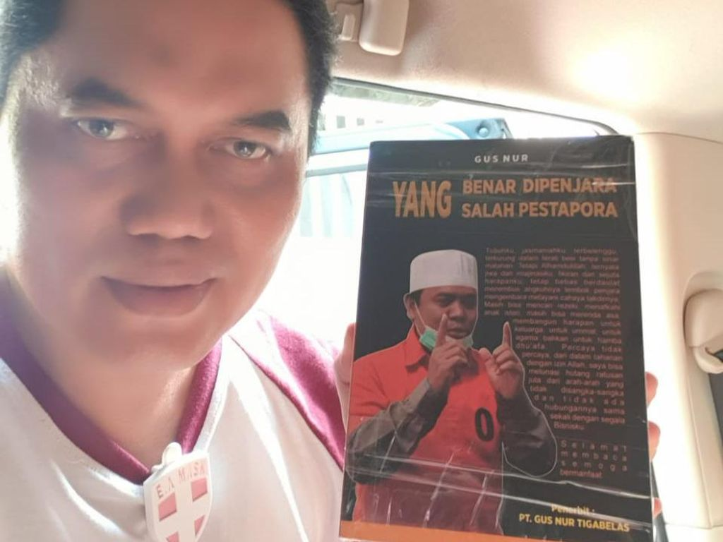 Di Dalam Penjara, Gus Nur Tulis Buku Yang Benar Dipenjara Yang Salah Pestapora