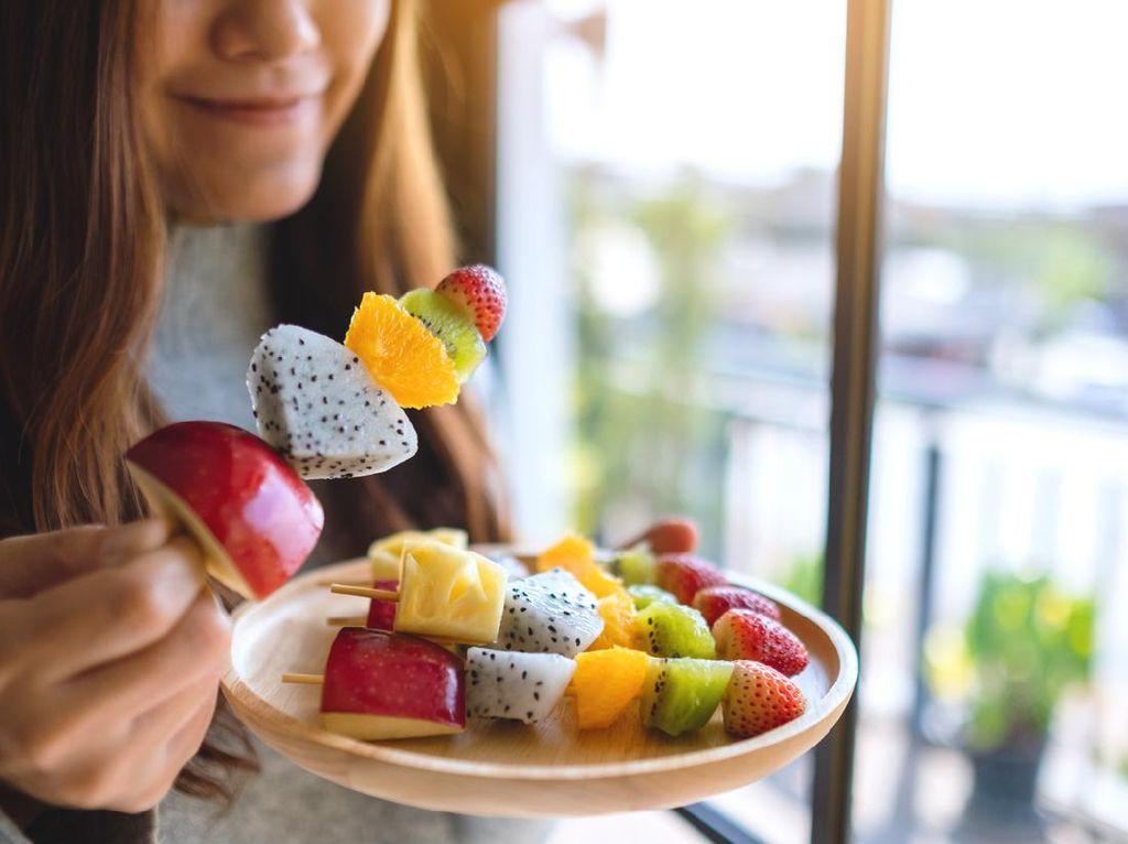Konsumsi Buah Segar, Sebaiknya Sebelum atau Sesudah Makan?