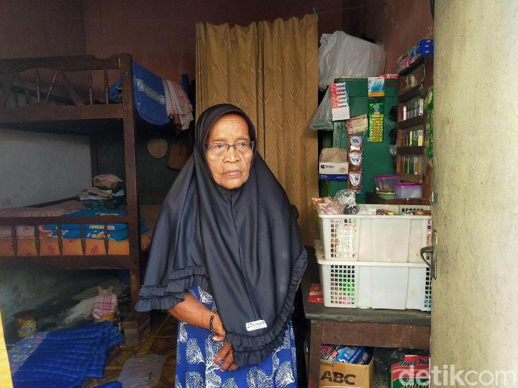 Lansia Ini Nelangsa Tak Dapat Bansos, Untung Punya Tetangga Rasa Keluarga