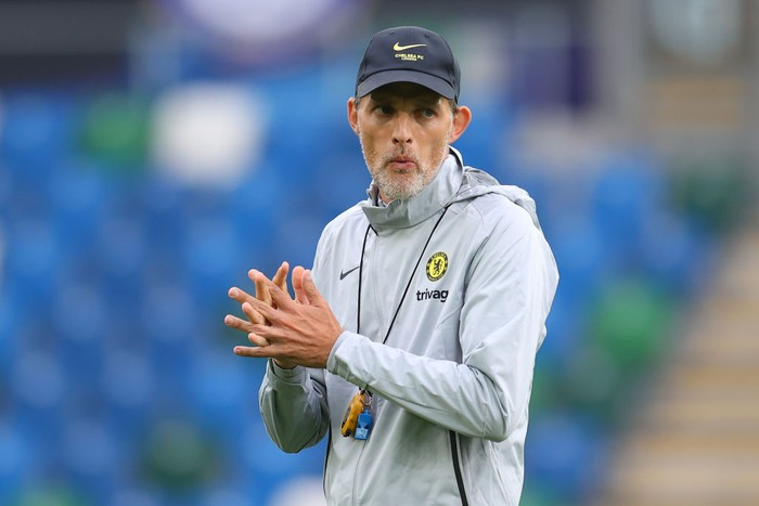 BELFAST, NORTHERN IRELAND - AUGUST 10: Thomas Tuchel, Manager of Chelsea looks on during a Chelsea FC Training Session ahead of the UEFA Super Cup 2021 match between Chelsea FC and Villarreal at Windsor Park on August 10, 2021 in Belfast, Northern Ireland. (Photo by Catherine Ivill/Getty Images)