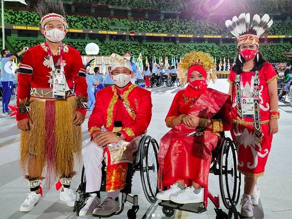 Keelokan Baju Kontingen Indonesia di Paralimpiade Tokyo Jadi Sorotan