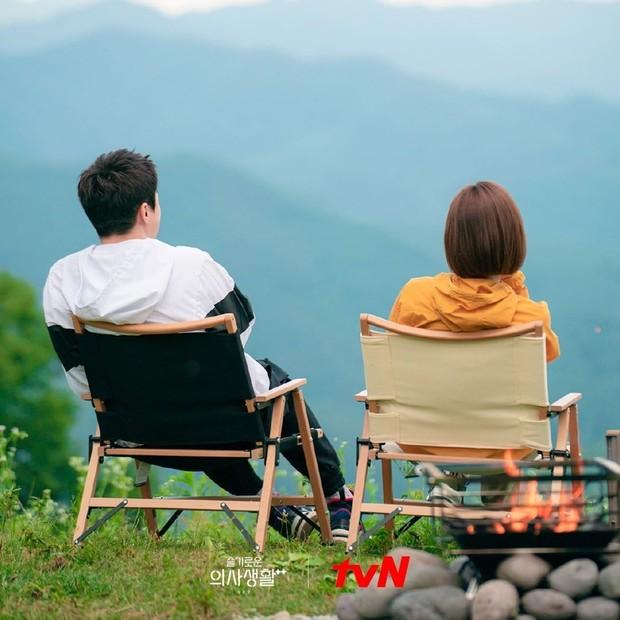 Ik Joon dan Songhwa / Foto : instagram.com/tvndrama.official/