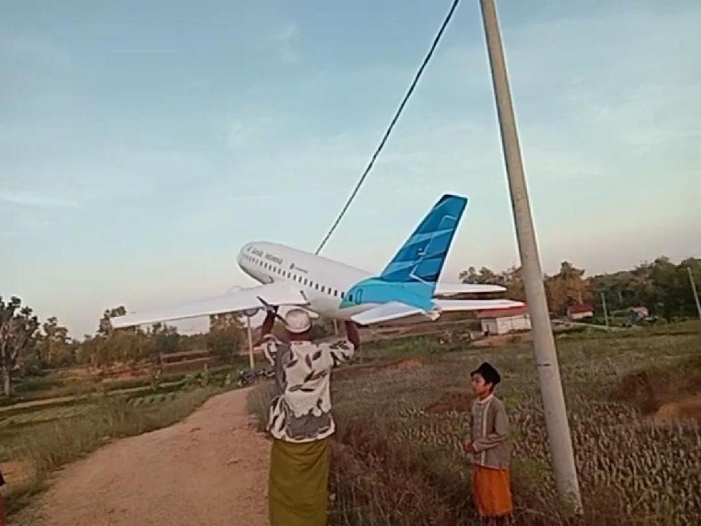 Miniatur Pesawat Buatan Santri Madura Juga Dijual, Harganya Hingga Rp 15 Juta