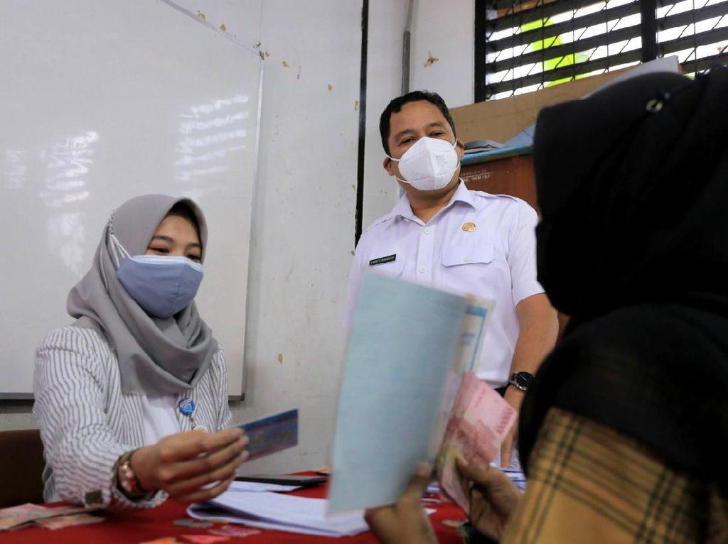 Pemkot Tangerang Salurkan Bansos Tunai Rp 300 Ribu ke 9.944 KK