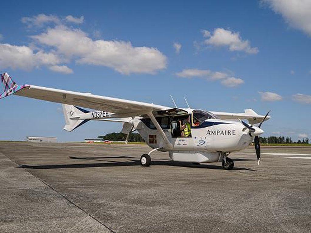 Penampakan Pesawat Listrik Hibrida yang Diuji Coba di Inggris