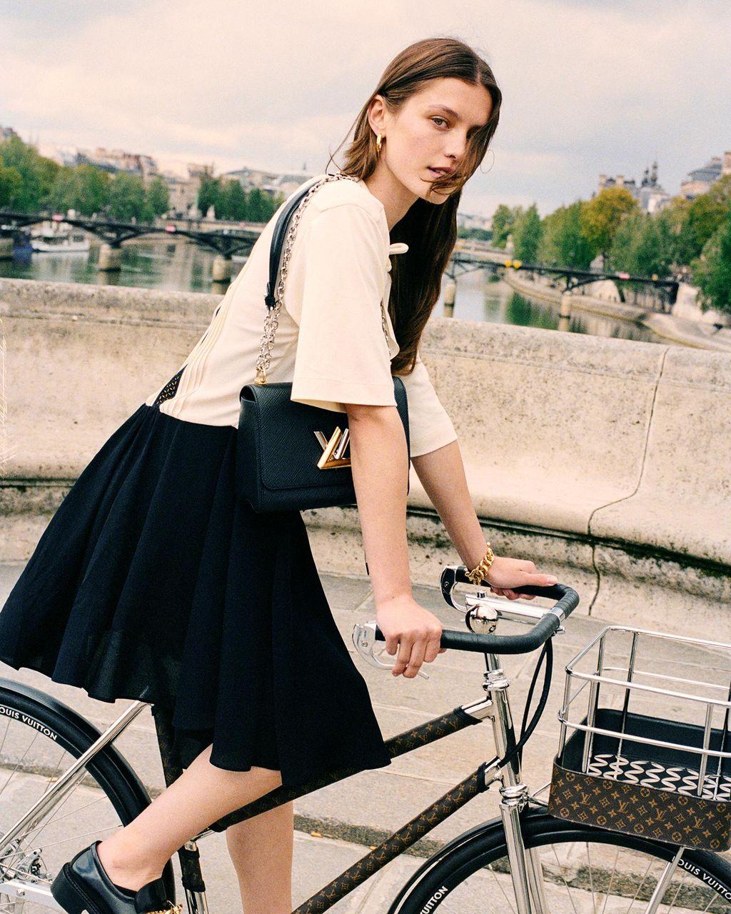 Sepeda Louis Vuitton Maison TAMBOITE