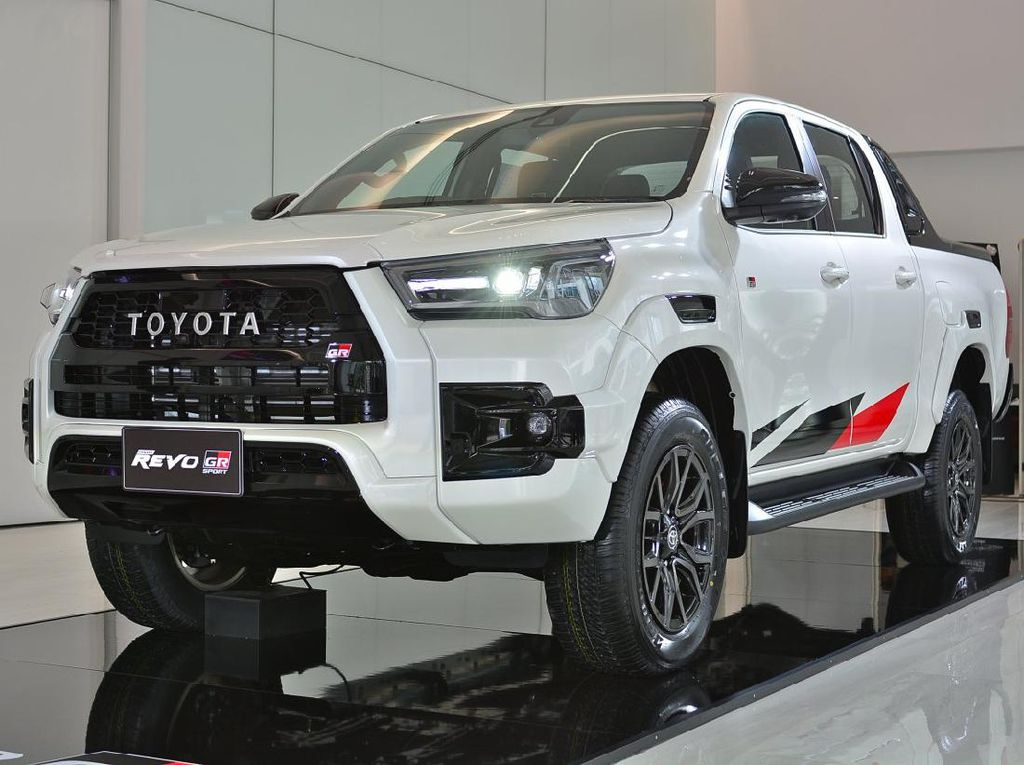 Toyota Hilux GR Sport Meluncur: Tampang Gahar, Harga Mulai Rp 390 Juta