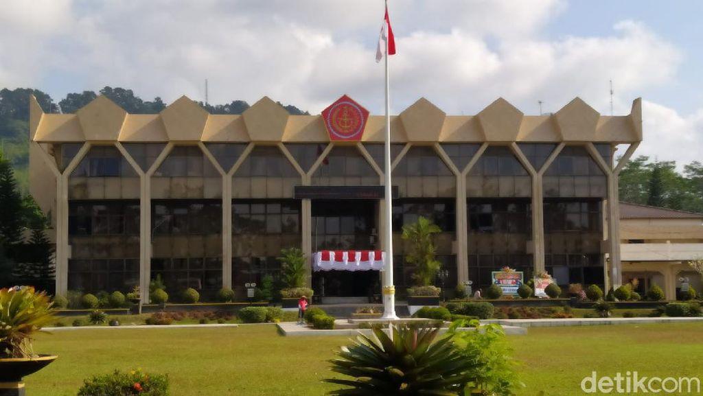 Kantor Wali Kota Magelang Tiba-tiba Dipasangi Logo TNI