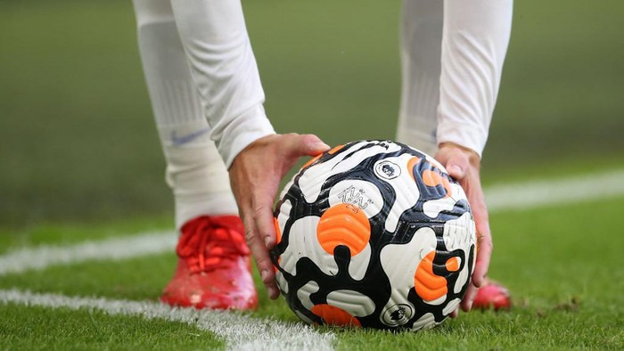 BRIGHTON, ENGLAND - AUGUST 21: Premier League Nike Flight match ball is placed for a corner kick during the Premier League match between Brighton & Hove Albion and Watford at American Express Community Stadium on August 21, 2021 in Brighton, England. (Photo by Steve Bardens/Getty Images)