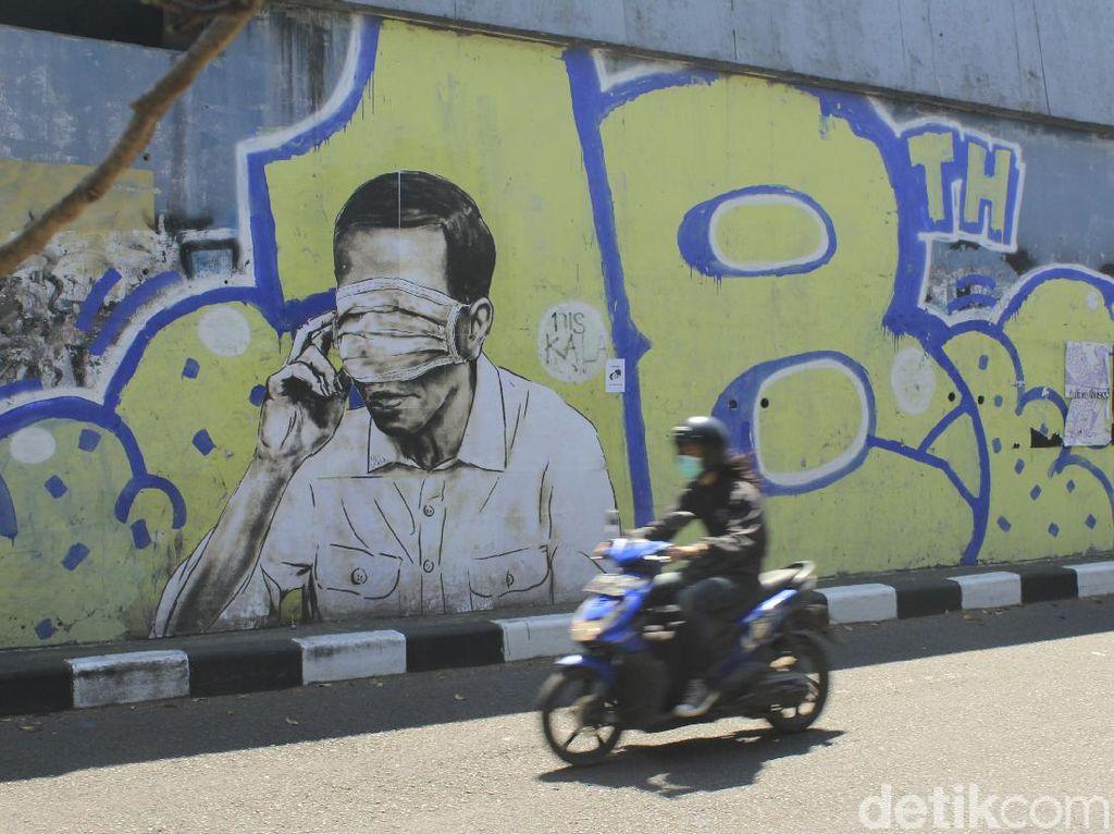 Menyoal Pembuat Mural Mirip Jokowi di Bandung Diburu
