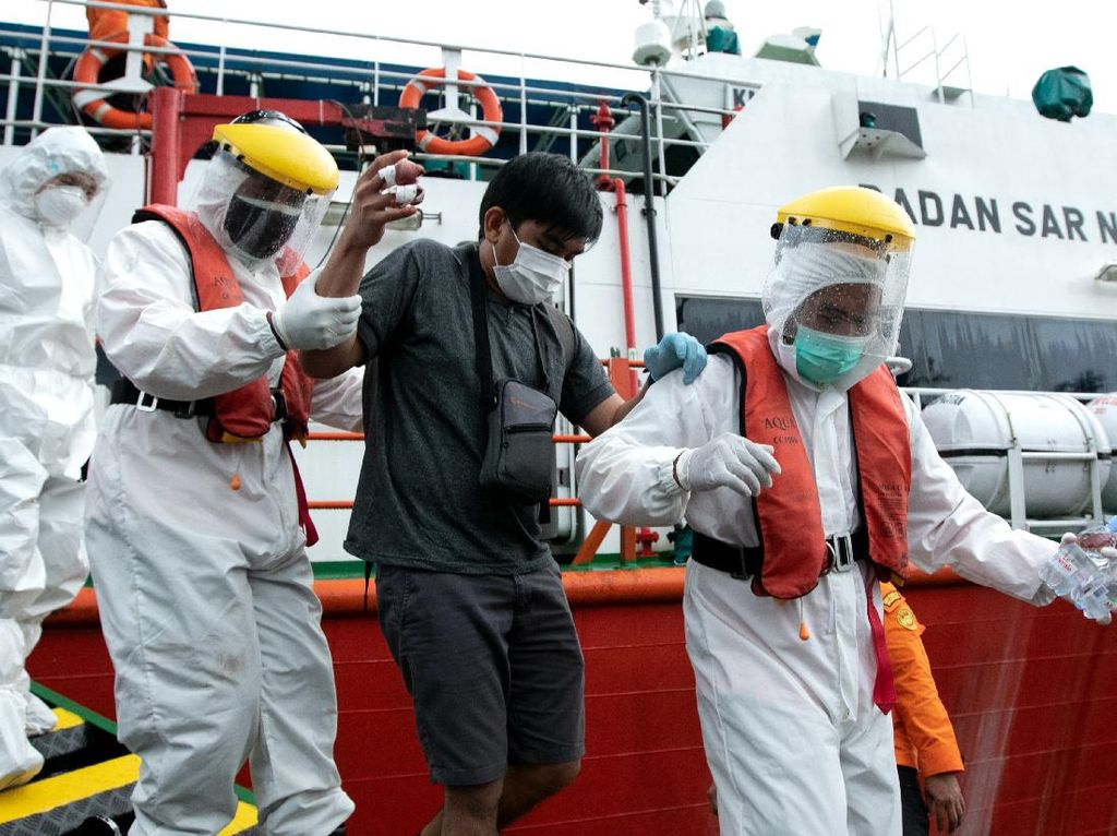 Basarnas Evakuasi WNA Filipina yang Kecelakaan Kerja Hingga Jarinya Putus