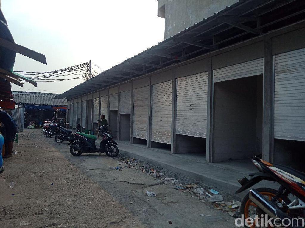 Pembangunan Pasar Kambing Usai Kebakaran Dilanjut, Pintu-Atap Dipasang