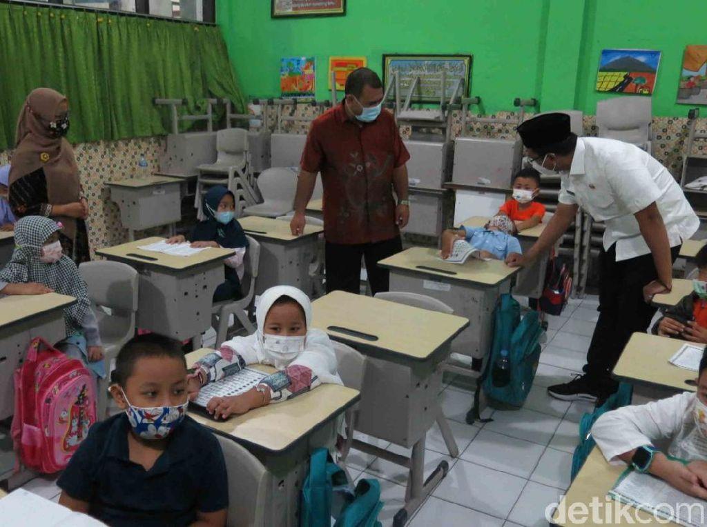 Berkonsep Gas Rem, Sekolah Tatap Muka Terbatas Mulai Digelar di Sidoarjo