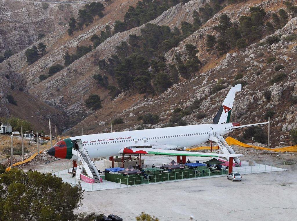 Wow! Ada Kafe Pesawat di Tepi Barat