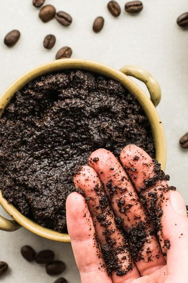 DIY body scrub dari coffee.