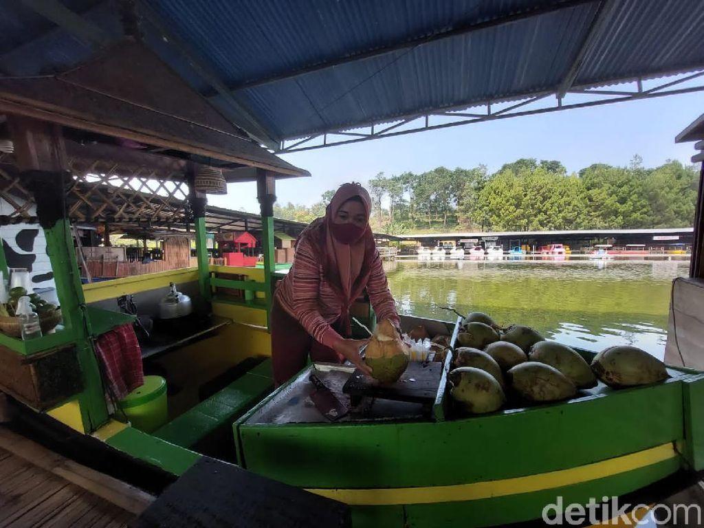Tak Lengkap Liburan ke Lembang Jika Tidak Singgah ke Floating Market