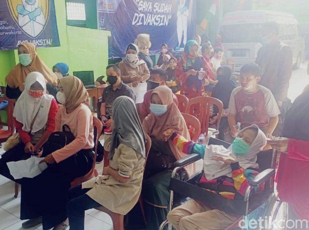 170 Siswa SLB di Kabupaten Sukabumi Jalani Vaksinasi Tahap Pertama