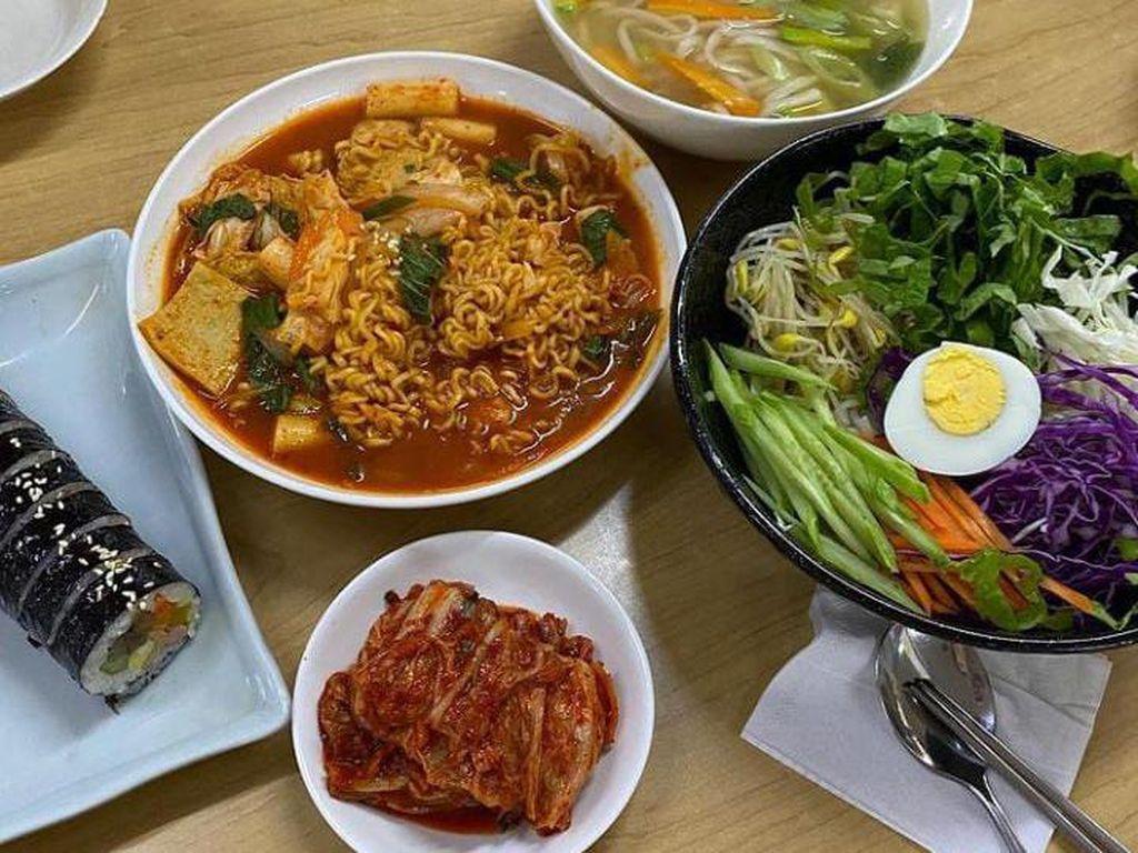 Belanja Sambil Cicipi Hidangan Autentik Korea di GS The Fresh