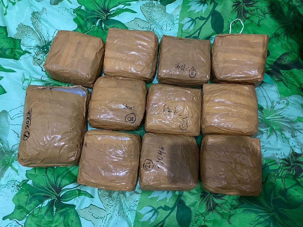 Total 75 Kg Sabu-34 Ribu Ekstasi Disita dari Sindikat Narkoba Makassar