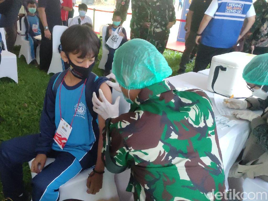 Siswa Jabar-Banten Divaksinasi, Pangdam Siliwangi: Percepat Sekolah Tatap Muka