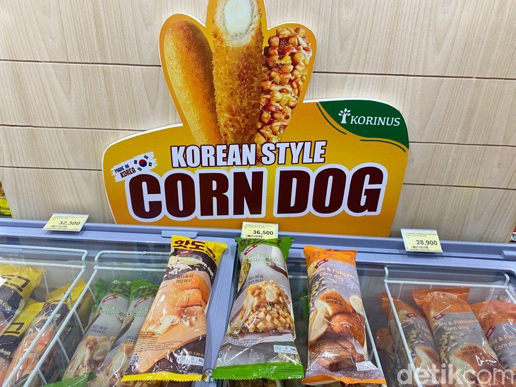 Asyik! Jajan Corn Dog, Susu Pisang, hingga Tteokbokki di Supermarket Korea
