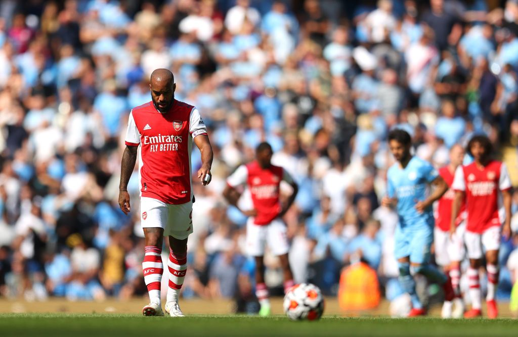 MANCHESTER, ENGLAND - AUGUST 28: Alexandre Lacazette of Arsenal cuts a dejected figure after conceding a fifth goal during the Premier League match between Manchester City and Arsenal at Etihad Stadium on August 28, 2021 in Manchester, England. (Photo by Catherine Ivill/Getty Images)