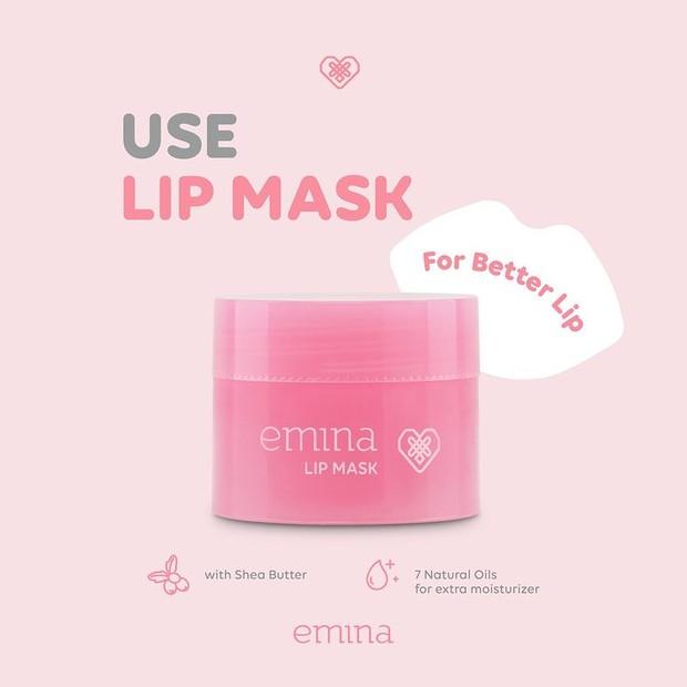 Gunakan lip mask untuk rangkaian perawatannya
