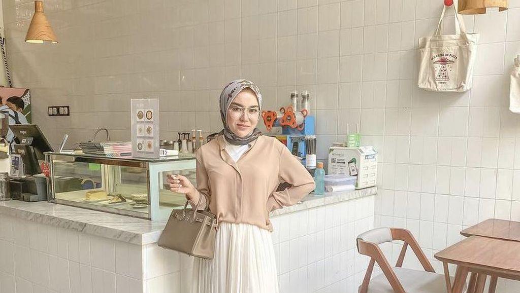 Medina Zein, Kolektor Tas Mahal yang Juga Sering Makan di Restoran Mewah