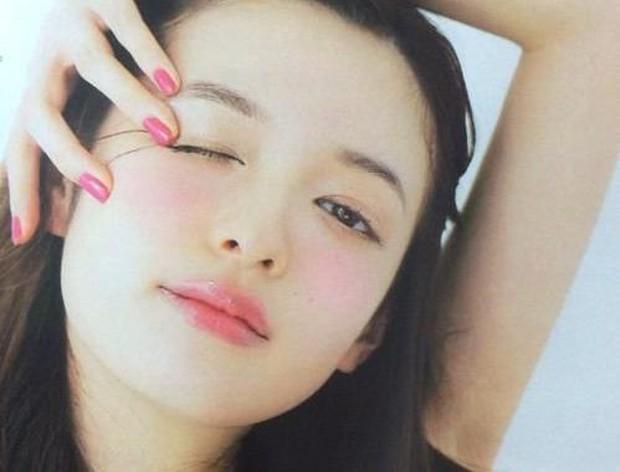 Penggunaan blush kawaii alias imut-imut ala cewek jepang/Pinterest.com/MAKEY