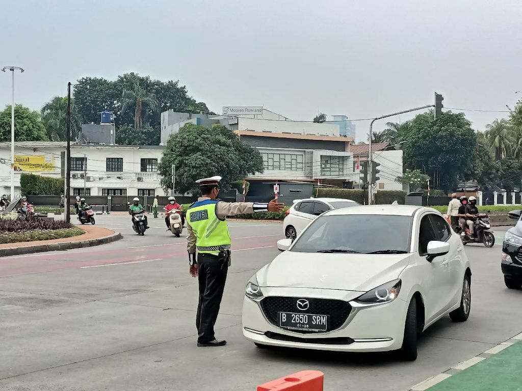 PPKM Jakarta Diperpanjang, Ganjil Genap Masih Berlaku di 3 Titik Hari Ini