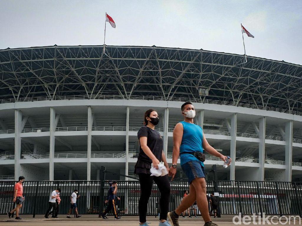 Jakarta PPKM Level 3, Warga Ramai-ramai Olahraga di GBK