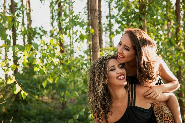 Sahabat yang cocok berdasarkan zodiak (foto: pexels.com/elias de carvalho)