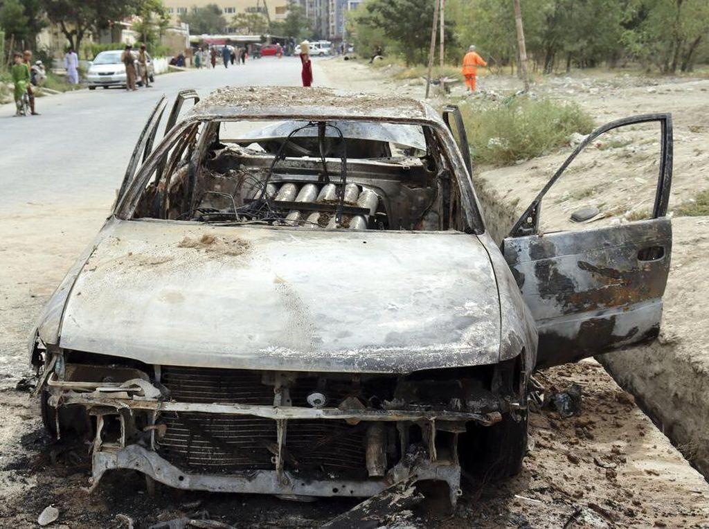 Penampakan Sisa-sisa Mobil Peluncur Roket yang Menargetkan Bandara Kabul
