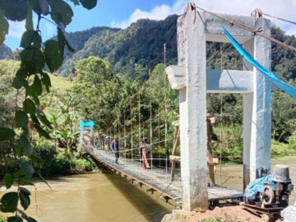 Jembatan Tempat Pelajar Bergantung di Mamasa Sulbar Sudah Bisa Digunakan