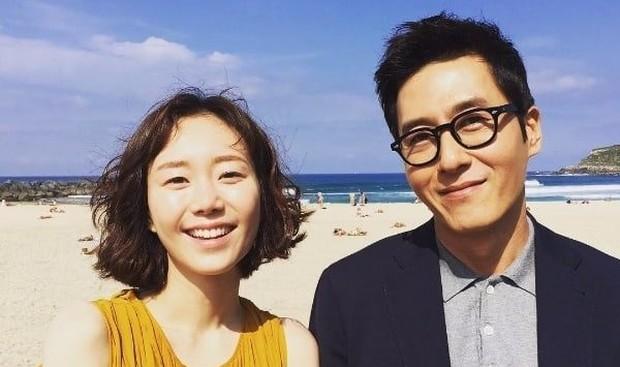 Di tengah persiapan pernikahan, Lee Yoo Young harus merelakan calon suaminya yakin Kim Joo Hyuk karena insiden kecelakaan.