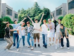 Member NCT 127 Ditantang Lomba Renang, Siapakah yang Tercepat?