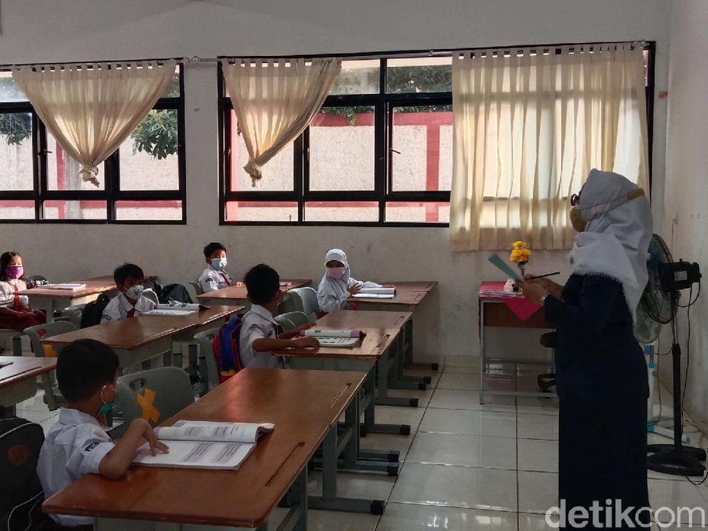 Ortu Siswa Harap PTM Terus Dilanjutkan: Belajar Daring Banyak Kendala