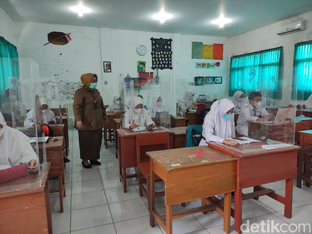 Sekolah Tatap Muka di Sidoarjo Digelar Meski Belum Semua Siswa Divaksin