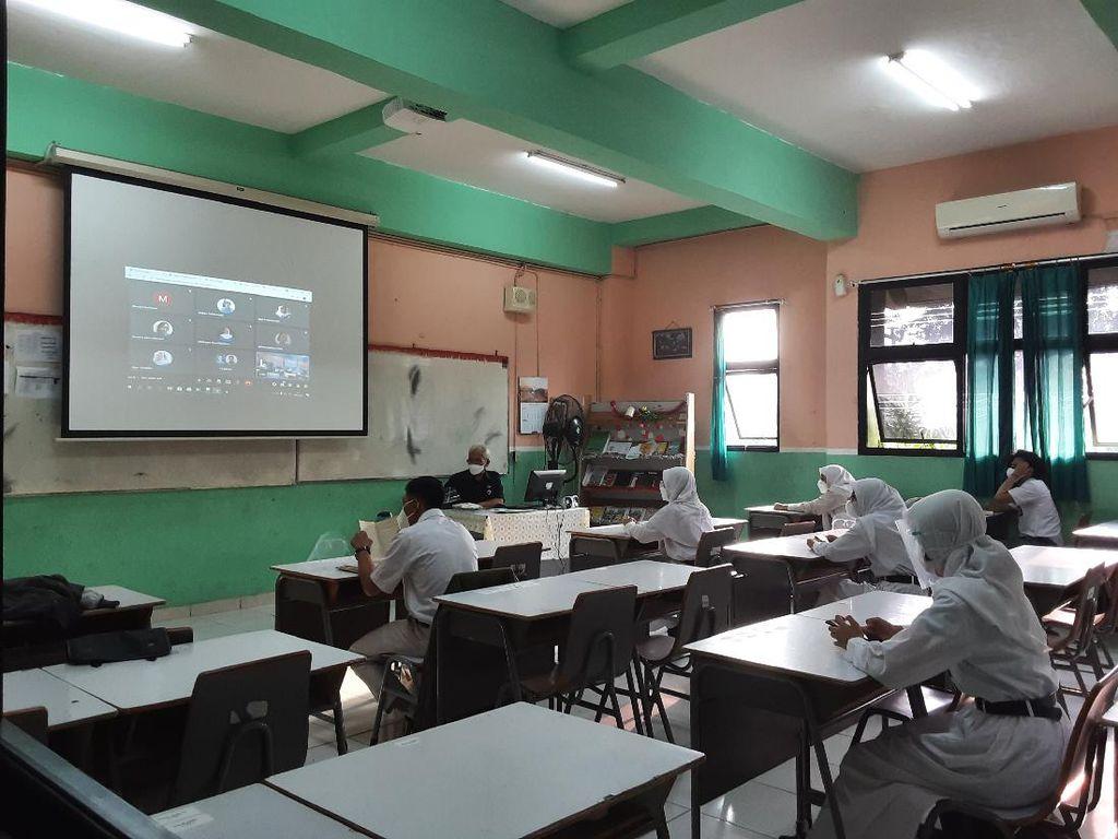 Begini Alur Sekolah Tatap Muka Terbatas Perdana di SMAN 65 Jakarta