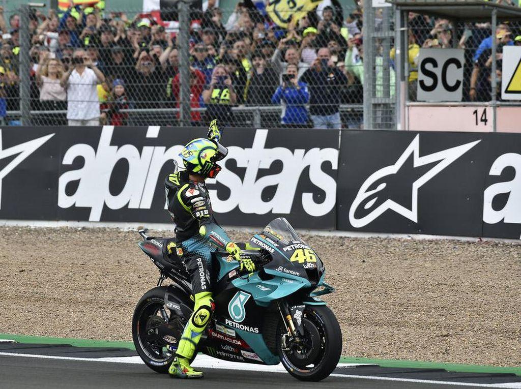 Rossi Sedih Banget MotoGP Inggris Terakhirnya Berakhir Mengecewakan