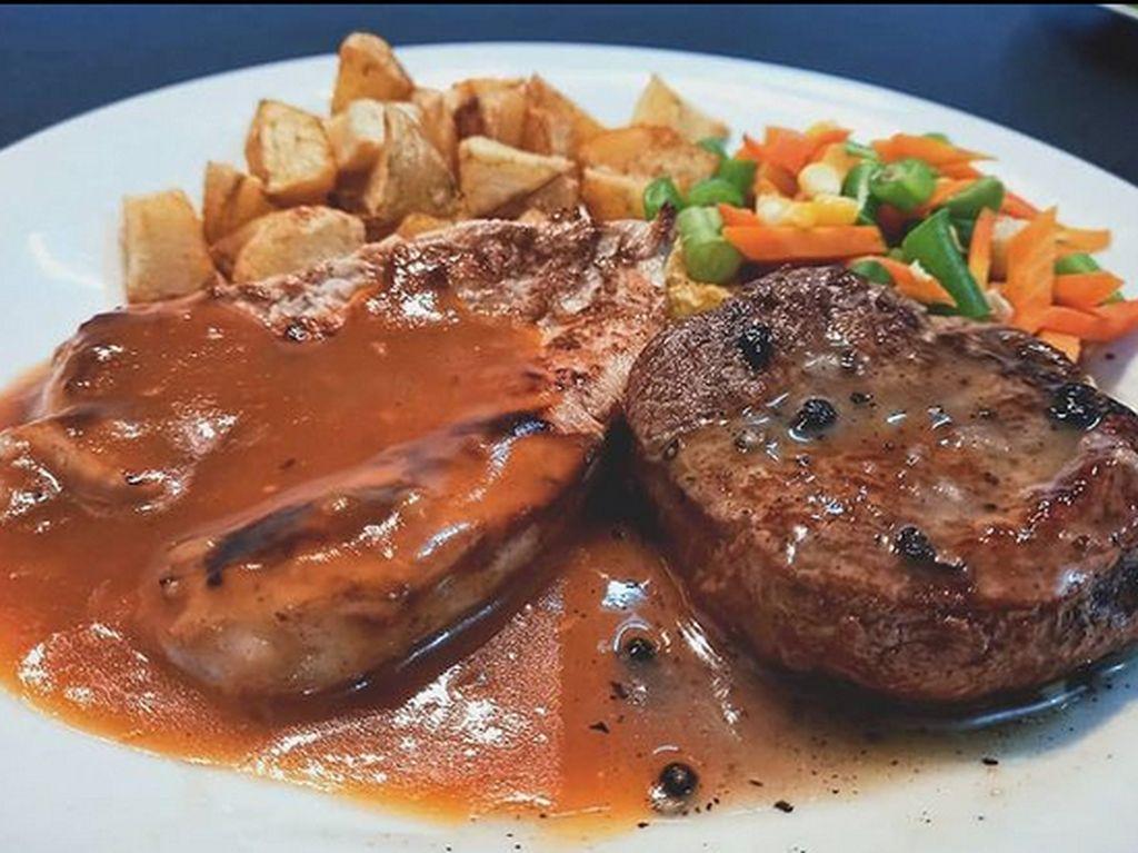 5 Mantan Chef Hotel Berbintang yang Sukses Jualan Steak