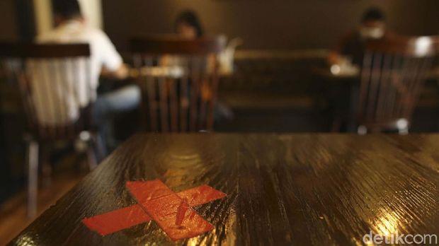 PPKM di Jawa-Bali sepekan kedepan mendapat pelonggaran terutama pada sektor outlet restoran di luar mal. Kini 1.000 restoran di luar mal dapat beroperasi lagi.