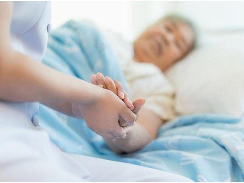 Solusi Beri Kenyamanan Anggota Keluarga yang Sakit Berikut Perawatnya