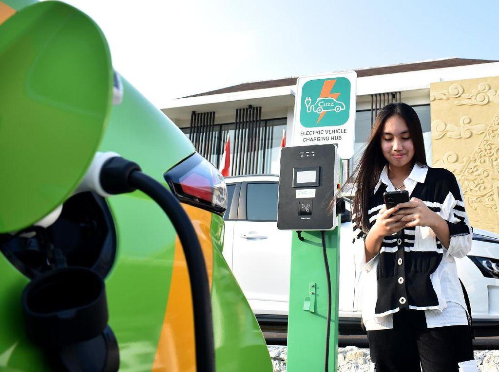 Ini EVCuzz Charge Mobil Listrik Karya Anak Bangsa