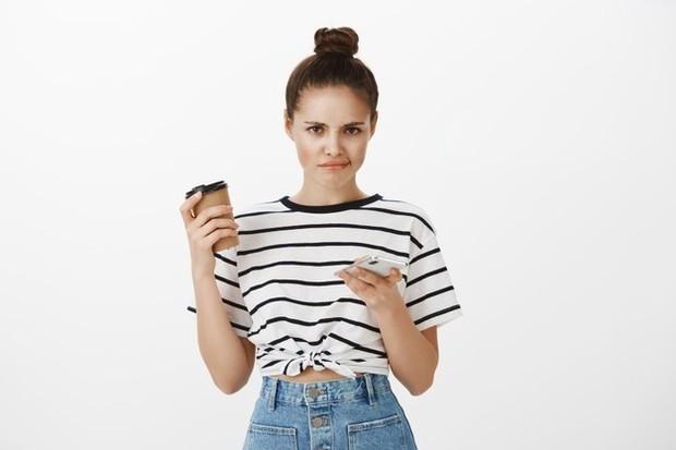Kiat agar tidak terjebak dalam love scam saat kencan online